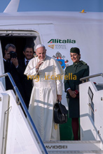 30-09-2016 Pope Francis leaves for Georgia and Azerbaijan