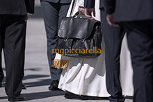06-09-2017 Pope Francis leaves for Colombia