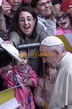 01-05-2018 Pope Francis visits the Shrine of Our Lady of Divine Love